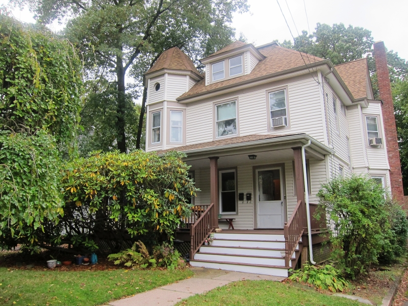 Single Family Home for Rent at 216 Woodside Avenue Ridgewood, New Jersey 07450 United States