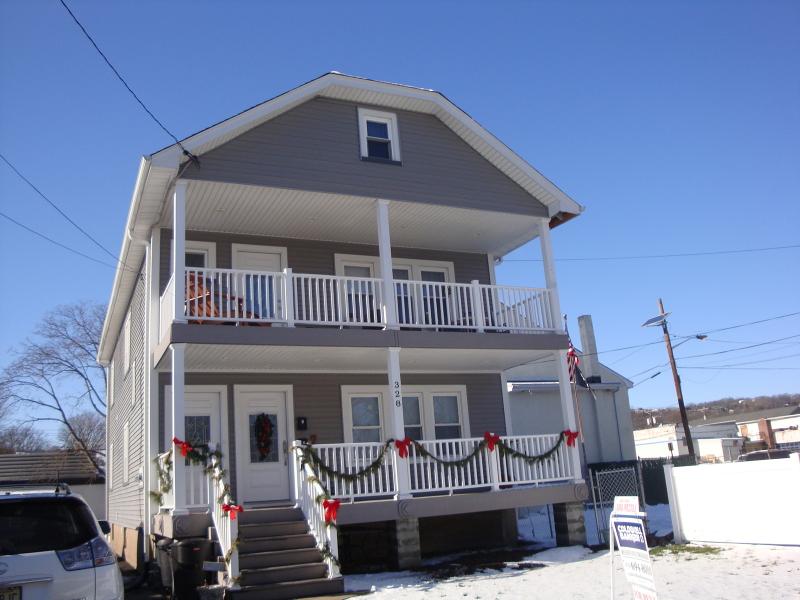 Частный односемейный дом для того Аренда на 330 Grand Ave - 2nd Floor Hawthorne, Нью-Джерси 07506 Соединенные Штаты