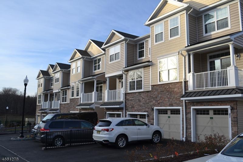 Частный односемейный дом для того Аренда на 51 Autumn Way Montvale, Нью-Джерси 07645 Соединенные Штаты