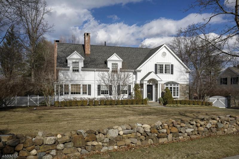 Частный односемейный дом для того Продажа на 33 Woodland Road Madison, 07940 Соединенные Штаты
