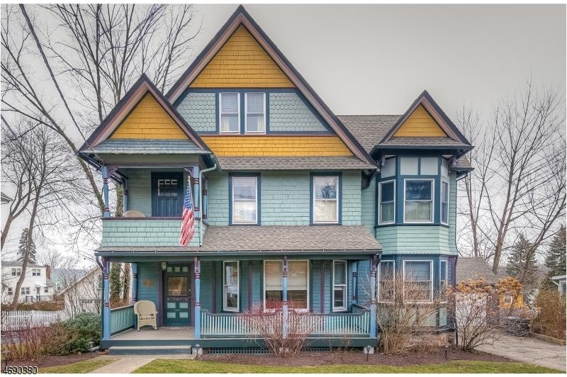 Maison unifamiliale pour l Vente à 73 Fairview Avenue Verona, New Jersey 07044 États-Unis