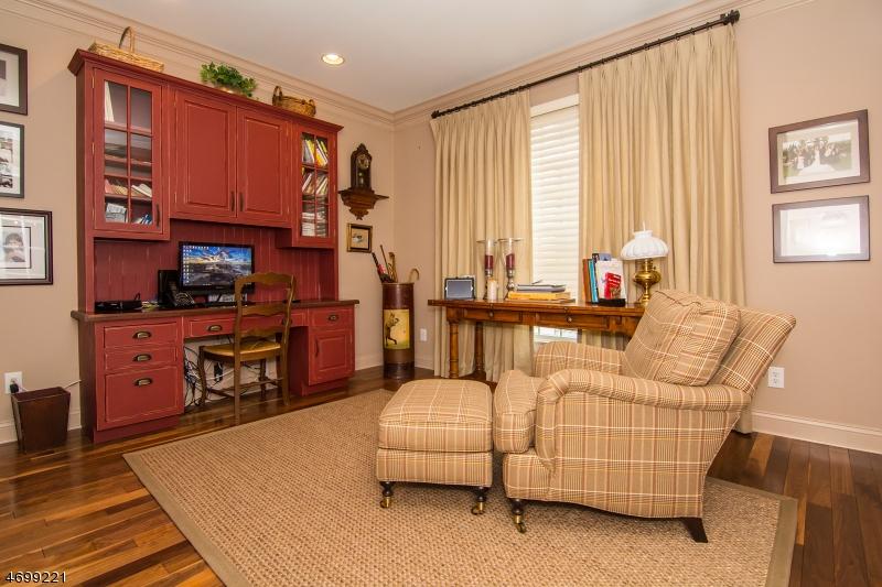 Additional photo for property listing at 11 Lighthouse Drive  South Amboy, Нью-Джерси 08879 Соединенные Штаты