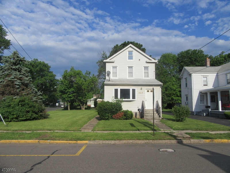 Additional photo for property listing at 607 Linden Avenue 607 Linden Avenue Woodbridge, New Jersey 07095 Vereinigte Staaten