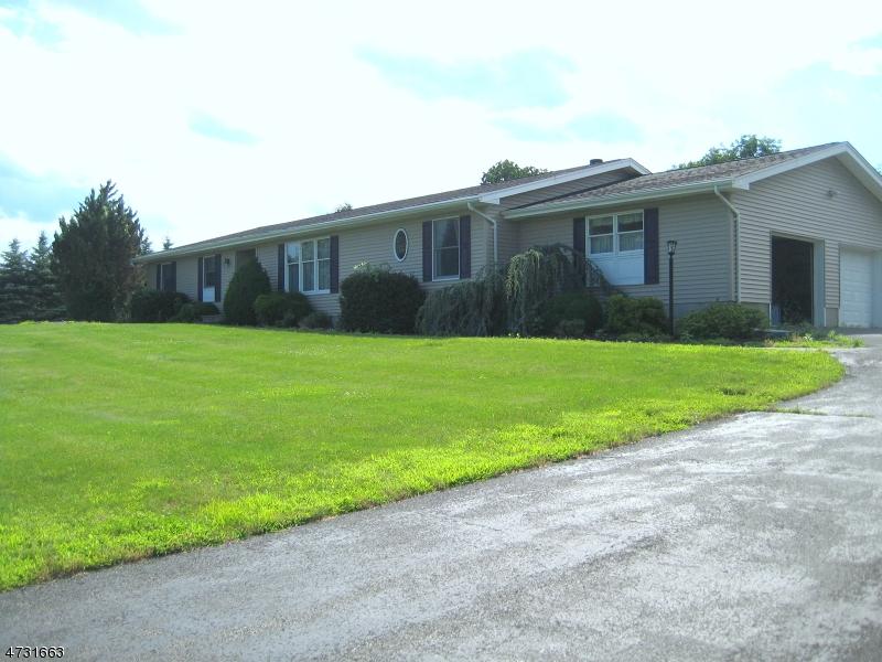 Частный односемейный дом для того Продажа на 78 Hyatt Road Branchville, 07826 Соединенные Штаты