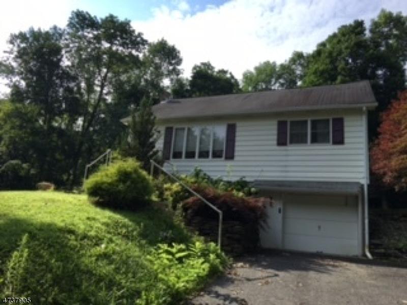 Einfamilienhaus für Verkauf beim 34 Maple Drive Andover Township, New Jersey 07860 Vereinigte Staaten