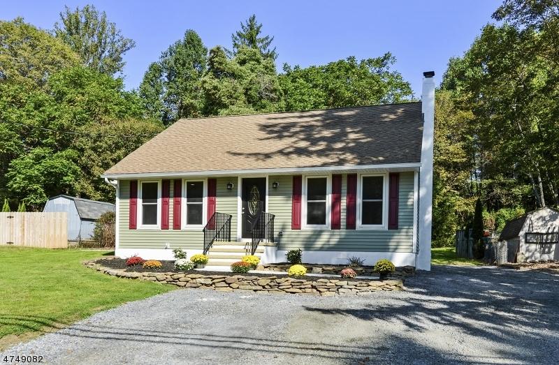 Частный односемейный дом для того Продажа на 38 Buckley Avenue Oxford, Нью-Джерси 07863 Соединенные Штаты