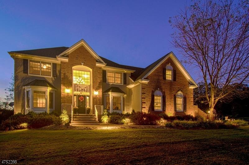 Частный односемейный дом для того Аренда на 25 Northwood Drive Pittstown, Нью-Джерси 08867 Соединенные Штаты