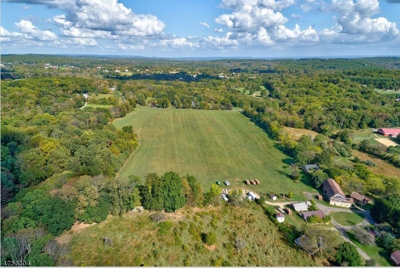 Land for Sale at 26 Sutton Road 26 Sutton Road Tewksbury Township, New Jersey 08833 United States