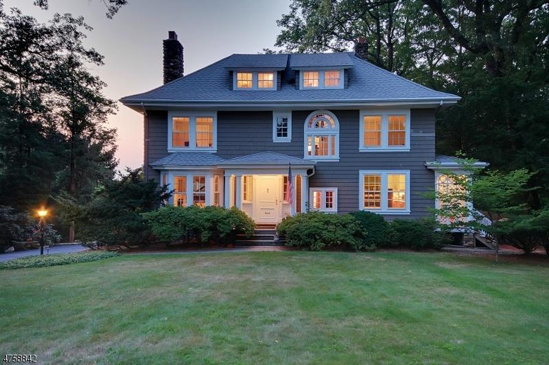 Tek Ailelik Ev için Satış at 44 Rensselaer Road Essex Fells, New Jersey 07021 Amerika Birleşik Devletleri