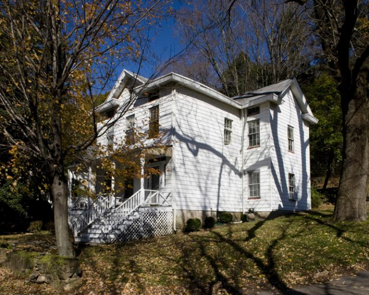 Μονοκατοικία για την Πώληση στο 7 Church Street Glen Gardner, Νιου Τζερσεϋ 08826 Ηνωμενεσ Πολιτειεσ