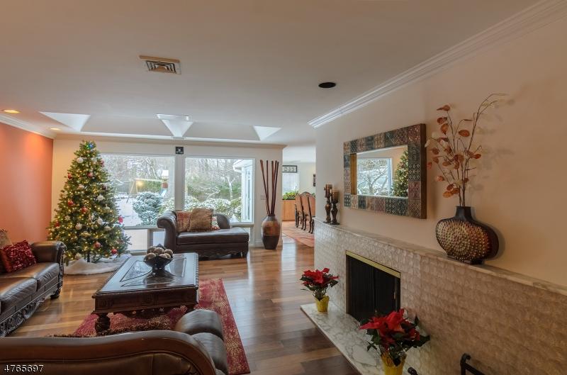 Eensgezinswoning voor Verkoop een t 1044 E Lawn Court 1044 E Lawn Court Teaneck, New Jersey 07666 Verenigde Staten