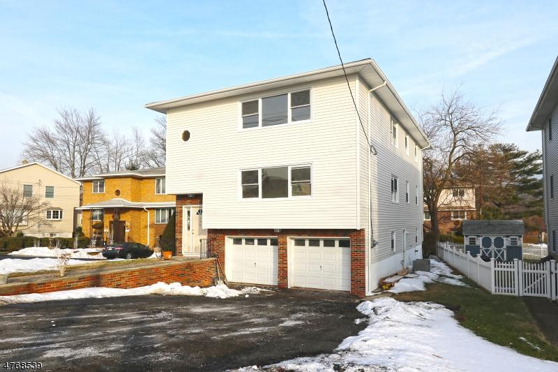 Casa Multifamiliar por un Venta en 726 Saddle River Road Saddle Brook, Nueva Jersey 07663 Estados Unidos