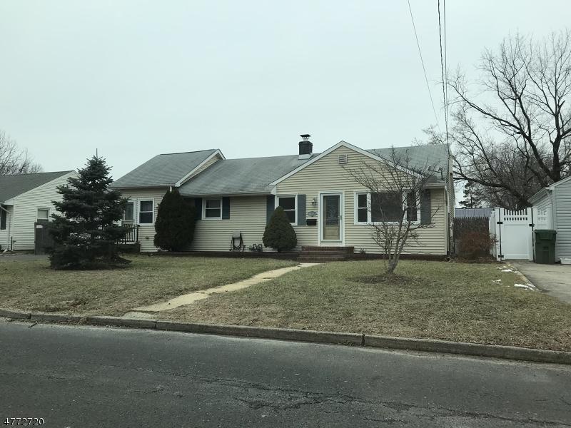 独户住宅 为 销售 在 21 Reynolds Drive 伊顿敦, 新泽西州 07724 美国