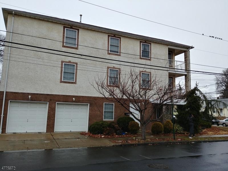 Частный односемейный дом для того Аренда на 1016 GROVE Street Elizabeth, Нью-Джерси 07202 Соединенные Штаты