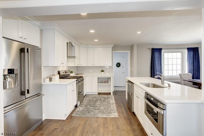 Maison unifamiliale pour l Vente à 28 Valley View Drive Morristown, New Jersey 07960 États-Unis