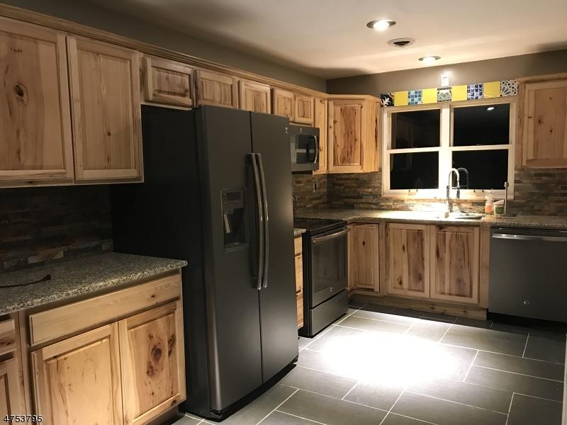 Maison unifamiliale pour l à louer à 240A Old Chimney Ridge Road Montague, New Jersey 07827 États-Unis