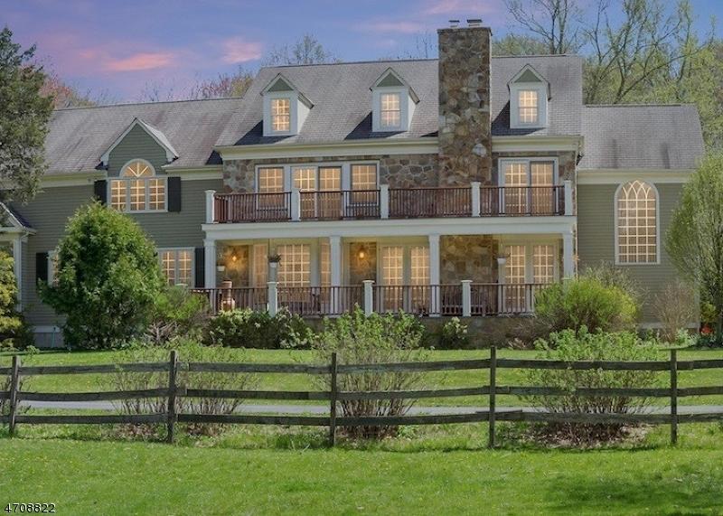 Maison unifamiliale pour l Vente à 98 Spring Hollow Road Far Hills, New Jersey 07931 États-Unis