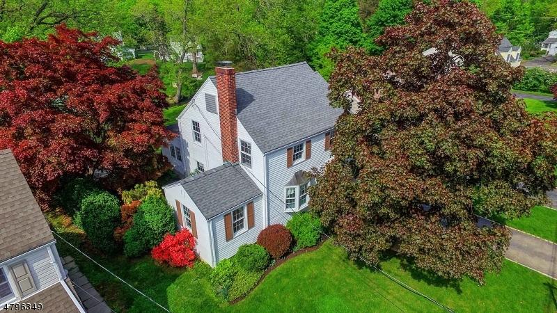 Casa Unifamiliar por un Venta en 99 Glenbrook Road Morris Plains, Nueva Jersey 07950 Estados Unidos