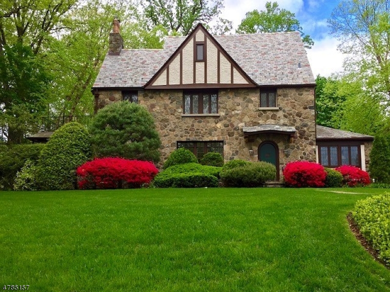 Casa para uma família para Venda às 390 Highland Avenue Ridgewood, Nova Jersey 07450 Estados Unidos