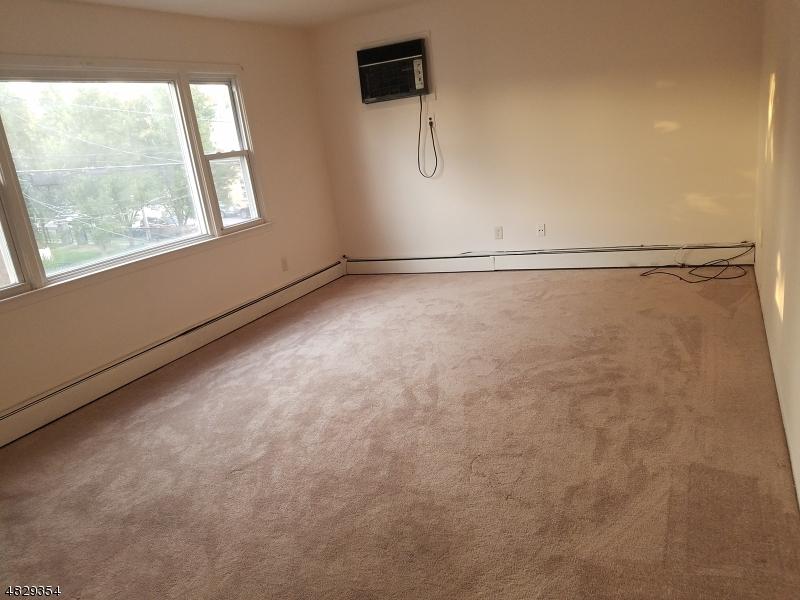 Maison unifamiliale pour l à louer à 500 ELM Street Kearny, New Jersey 07032 États-Unis