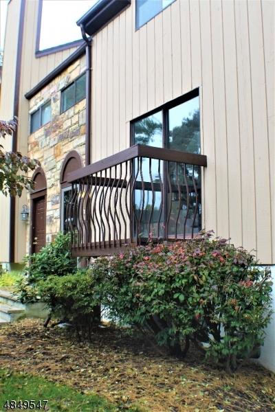 Condo / Radhus för Försäljning vid 49 BENNINGTON SQ Washington, New Jersey 07840 Usa