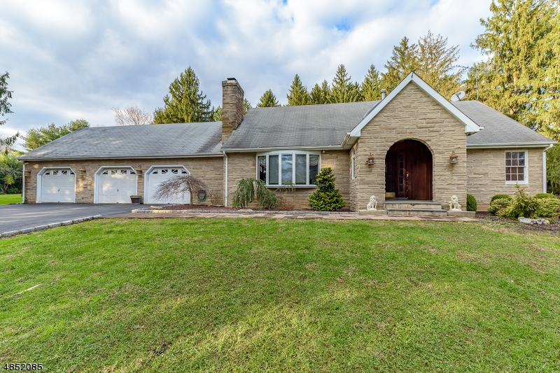Single Family Home for Sale at 140 LAMBERTVILLE-HOPEWELL East Amwell, New Jersey 08525 United States