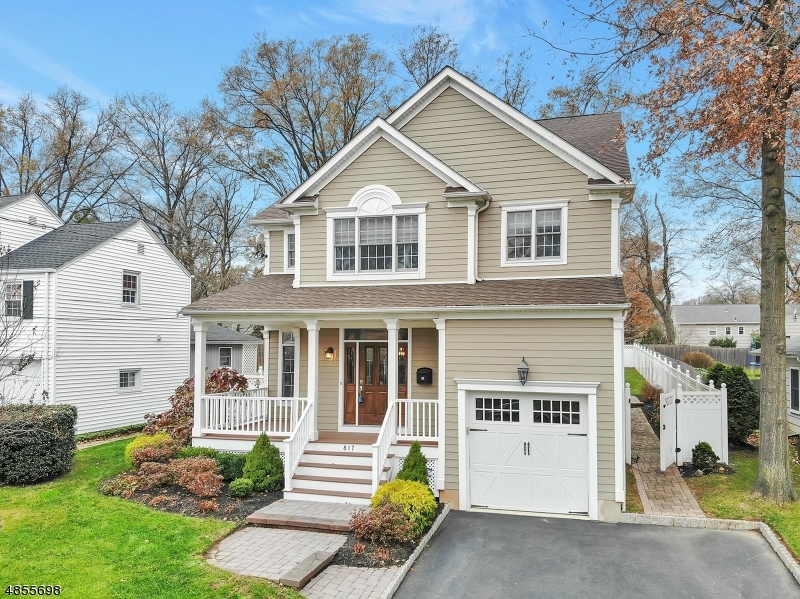 Single Family Home for Sale at 817 HARDING ST 817 HARDING ST Westfield, New Jersey 07090 United States