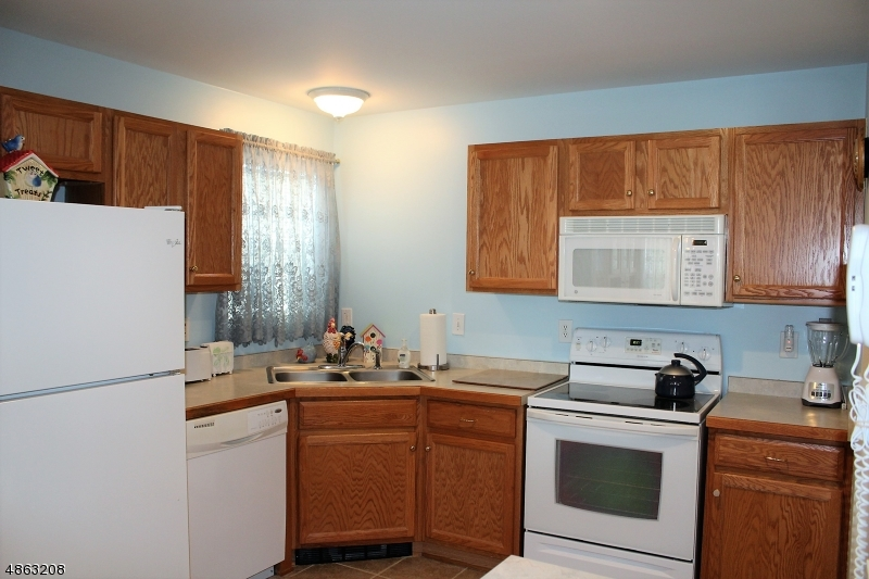 Condo / Townhouse for Sale at 58 StreetOLL Street Netcong, New Jersey 07857 United States