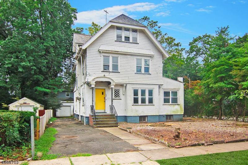 Maison unifamiliale pour l Vente à 290 HEYWOOD Avenue Orange, New Jersey 07050 États-Unis