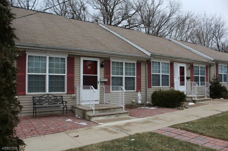 Condo / Casa geminada para Venda às 58 StreetOLL Street Netcong, Nova Jersey 07857 Estados Unidos