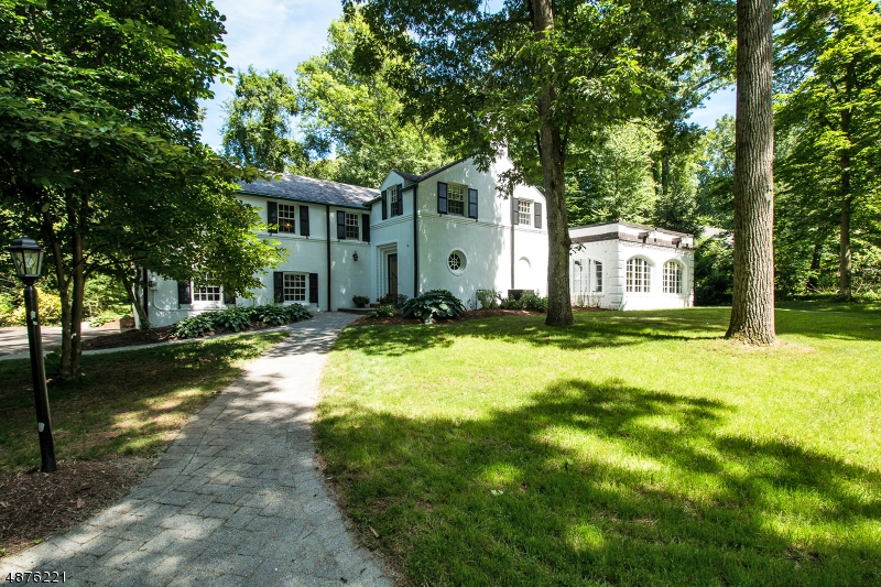 Single Family Home for Sale at 52 COUNTRYSIDE DR 52 COUNTRYSIDE DR Berkeley Heights, New Jersey 07901 United States