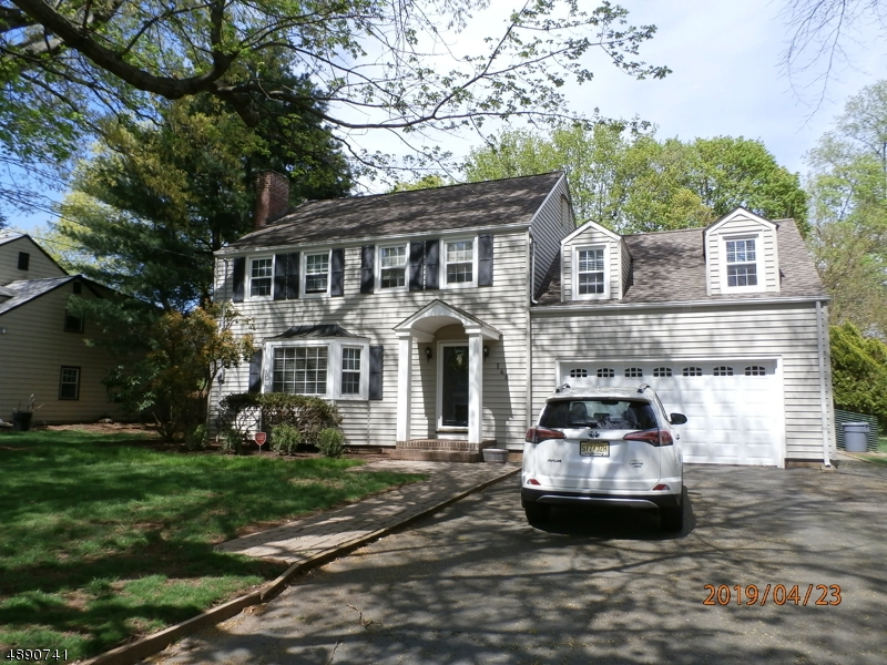 Single Family Home for Sale at North Plainfield, New Jersey 07062 United States