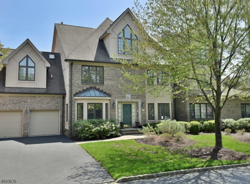 Condo / Townhouse للـ Sale في Park Ridge, New Jersey 07656 United States