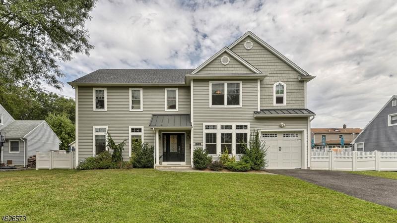 Single Family Homes för Försäljning vid New Milford, New Jersey 07646 Förenta staterna