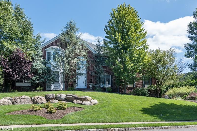 Single Family Homes für Verkauf beim North Haledon, New Jersey 07508 Vereinigte Staaten