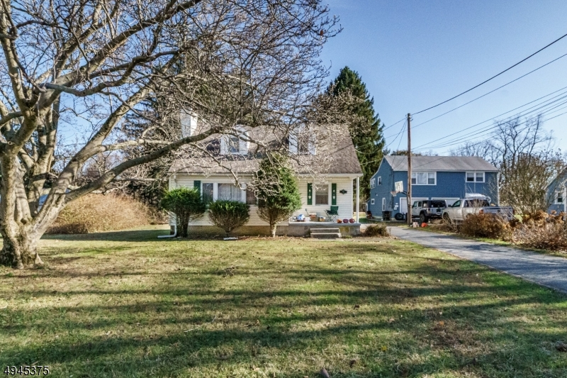 Single Family Homes للـ Sale في 332 WILLOW GROVE Street Hackettstown, New Jersey 07840 United States