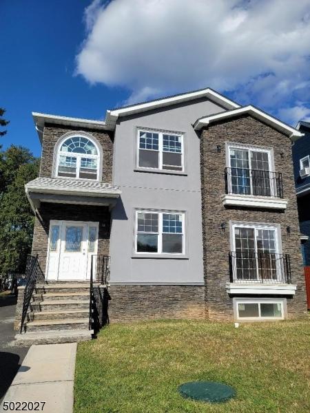 Single Family Homes per Vendita alle ore East Orange, New Jersey 07017 Stati Uniti