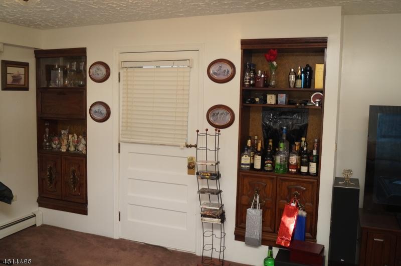 Additional photo for property listing at 112 BENNINGTON PKWY  Franklin Park, Нью-Джерси 08823 Соединенные Штаты