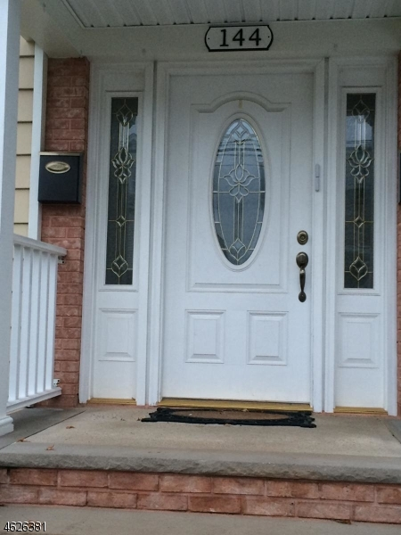 Additional photo for property listing at 144 N 15th Street  Bloomfield, Нью-Джерси 07003 Соединенные Штаты