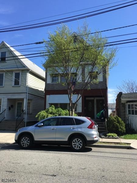 Maison avec plusieurs logements pour l Vente à 187 Madeline Avenue Clifton, New Jersey 07011 États-Unis