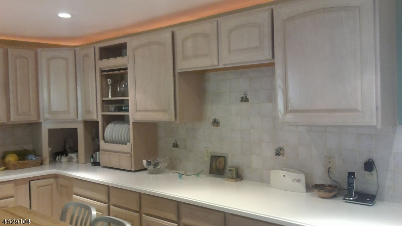 Additional photo for property listing at 75 Beech Terrace  韦恩, 新泽西州 07470 美国