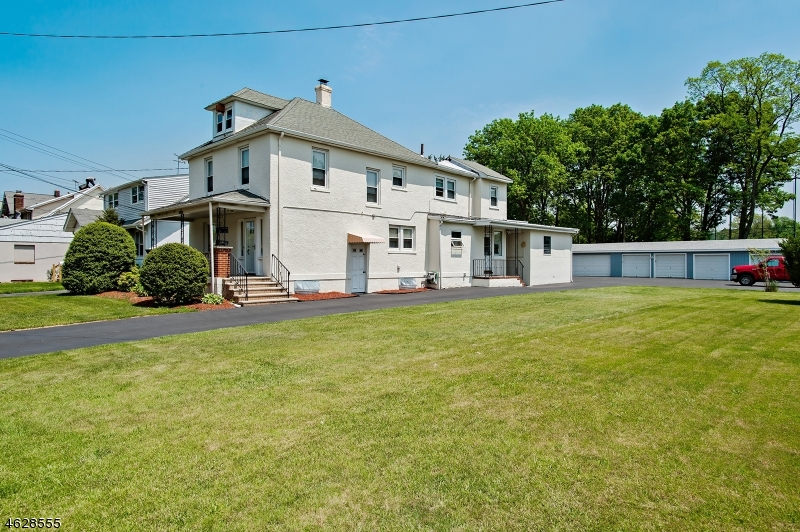 Additional photo for property listing at 1788 E 2nd Street  Scotch Plains, New Jersey 07076 États-Unis