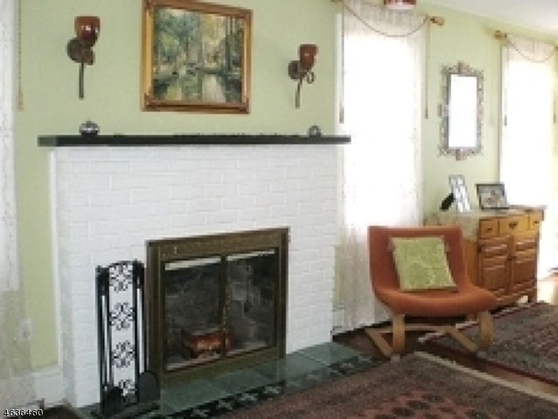 Additional photo for property listing at 34 Lenape Trail  Wayne, Nueva Jersey 07470 Estados Unidos
