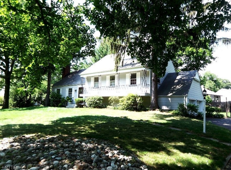 Single Family Home for Sale at 208 Shunpike Road Madison, New Jersey 07940 United States