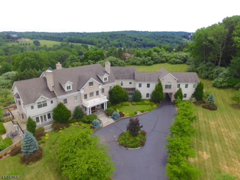 Single Family Home for Sale at 2 Spring Meadow Lane Mendham, 07945 United States