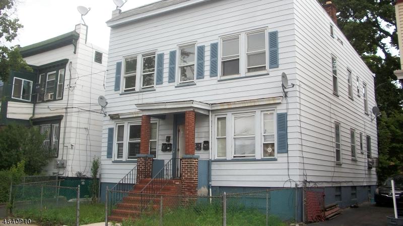 Casa Multifamiliar por un Venta en 78 Grace Street Irvington, Nueva Jersey 07111 Estados Unidos