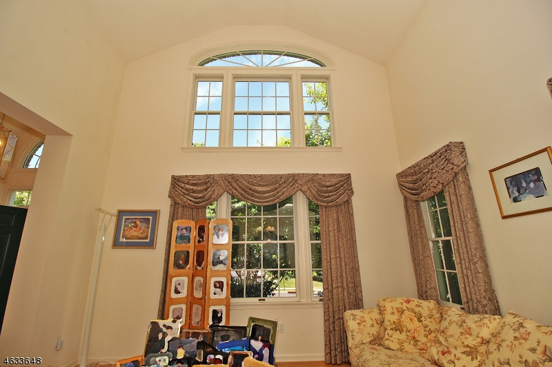 Additional photo for property listing at 2 Hamilton Road  Basking Ridge, New Jersey 07920 États-Unis