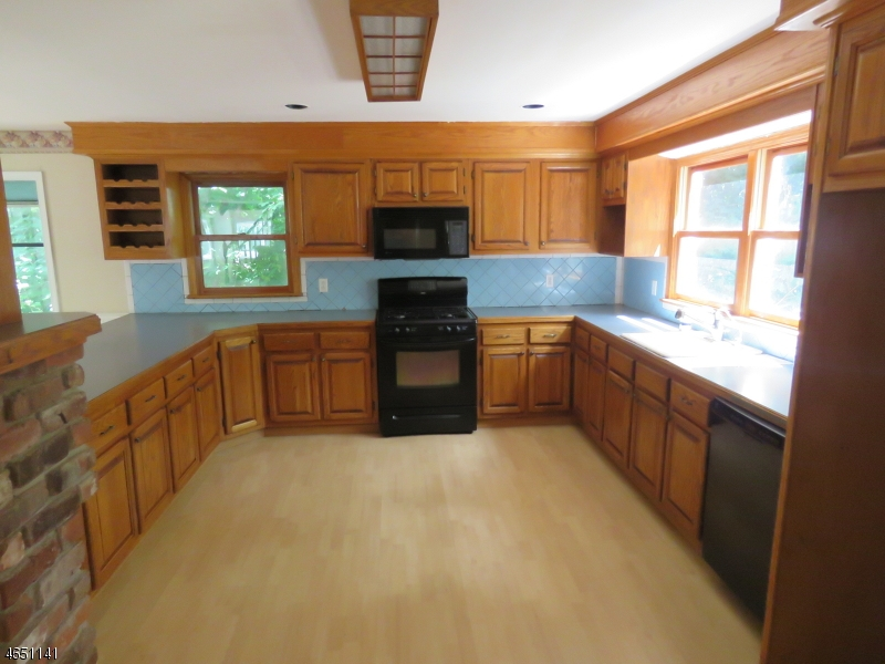 Additional photo for property listing at 12 Ledgewood Road  Lake Hopatcong, Nueva Jersey 07849 Estados Unidos