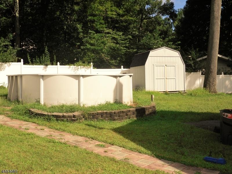 Additional photo for property listing at 4 Harris Avenue  Stanhope, Nueva Jersey 07874 Estados Unidos