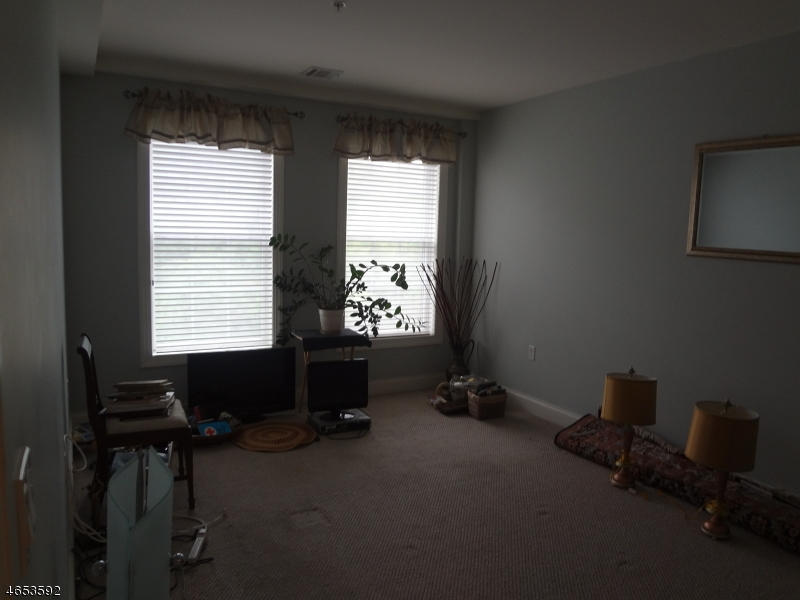 Additional photo for property listing at 54 Polifly Road  Hackensack, Nueva Jersey 07601 Estados Unidos